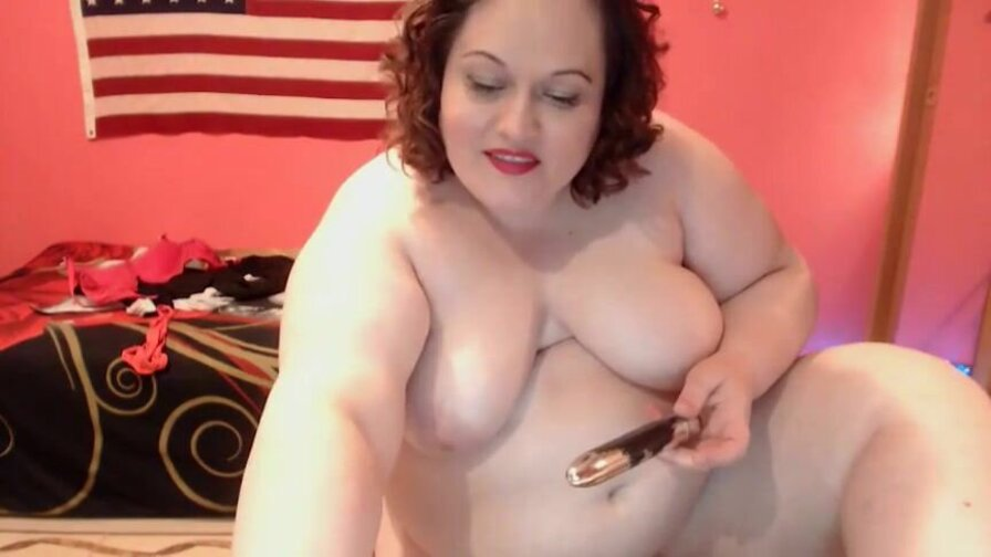 StefySweet – Big Beauty Masturbating In A Chair